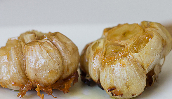 Roasted Garlic Cloves   10 Great Ways to use Whole Garlic in your Cooking // wishfulchef.com