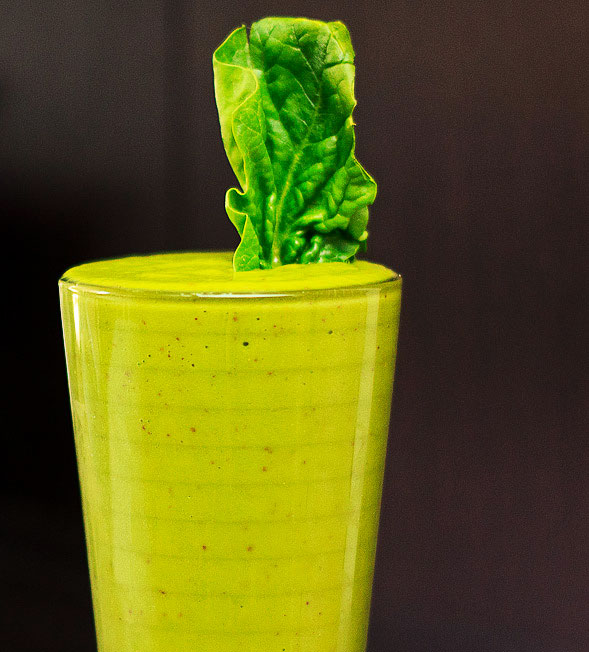 Spinach Apple Mango Yogurt Smoothie