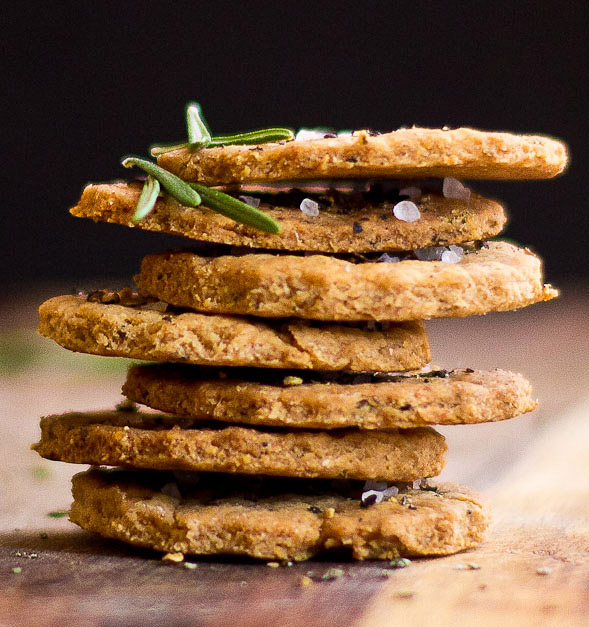 Rosemary Crackers with Olive Oil and Garlic