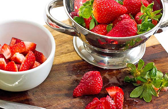 Creamy Strawberry Smoothie ingredients